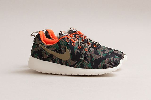 Nike have released a Fall-friendly version of their slim Roshe Run sneaker,  in a