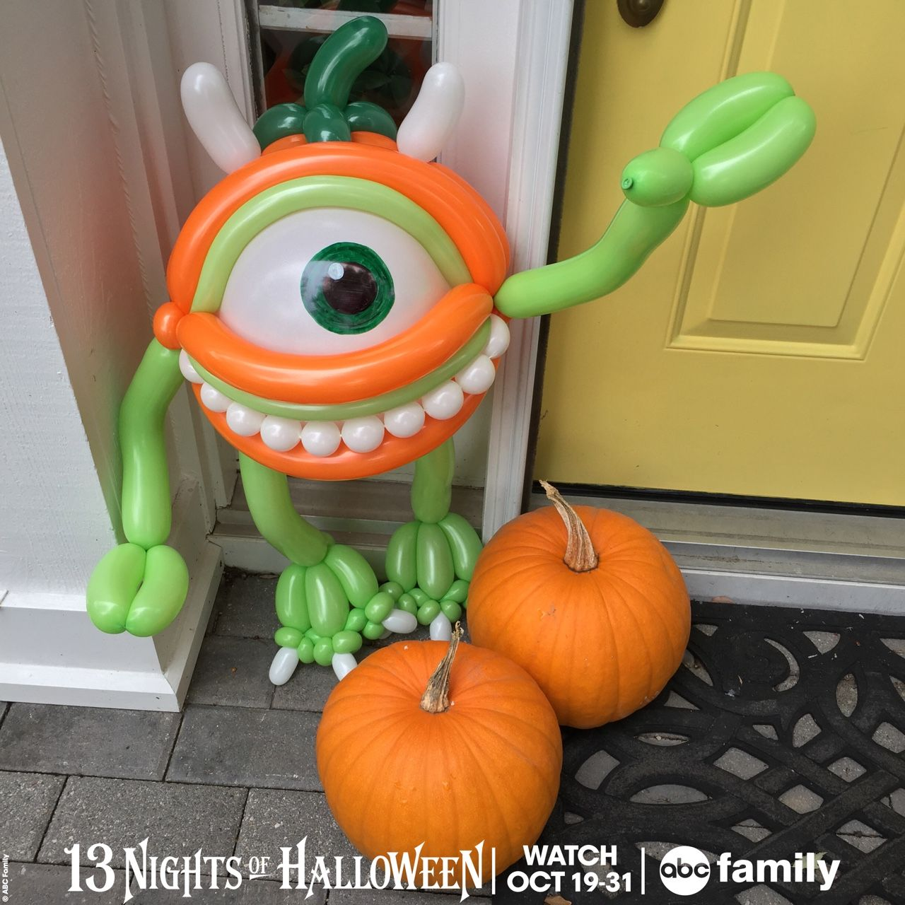abc familys 13 nights of halloween starts tonight with disney pixars monsters inc at on abc family check out this balloon i made for abc family of mike - Halloween Balloon Animals