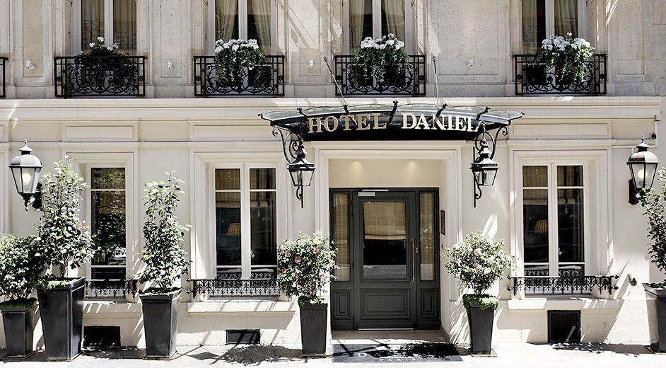 Classic Luxury Five Star Paris City Centre Hotel With Fine Dining