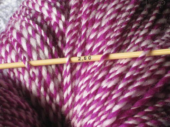 Merinogarn Lammwolle Aus Neuseeland Violett Weiss Handgesponnen Garn Wolle Handgesponnene Wolle Strickwolle Gefarbtes Garn Merino Lamm Garn Und Stricken