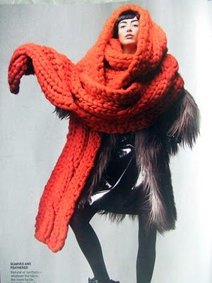 I want a giant scarf in every color right now.  They're so comfy and cozy and oh so chic.  GET ONE.