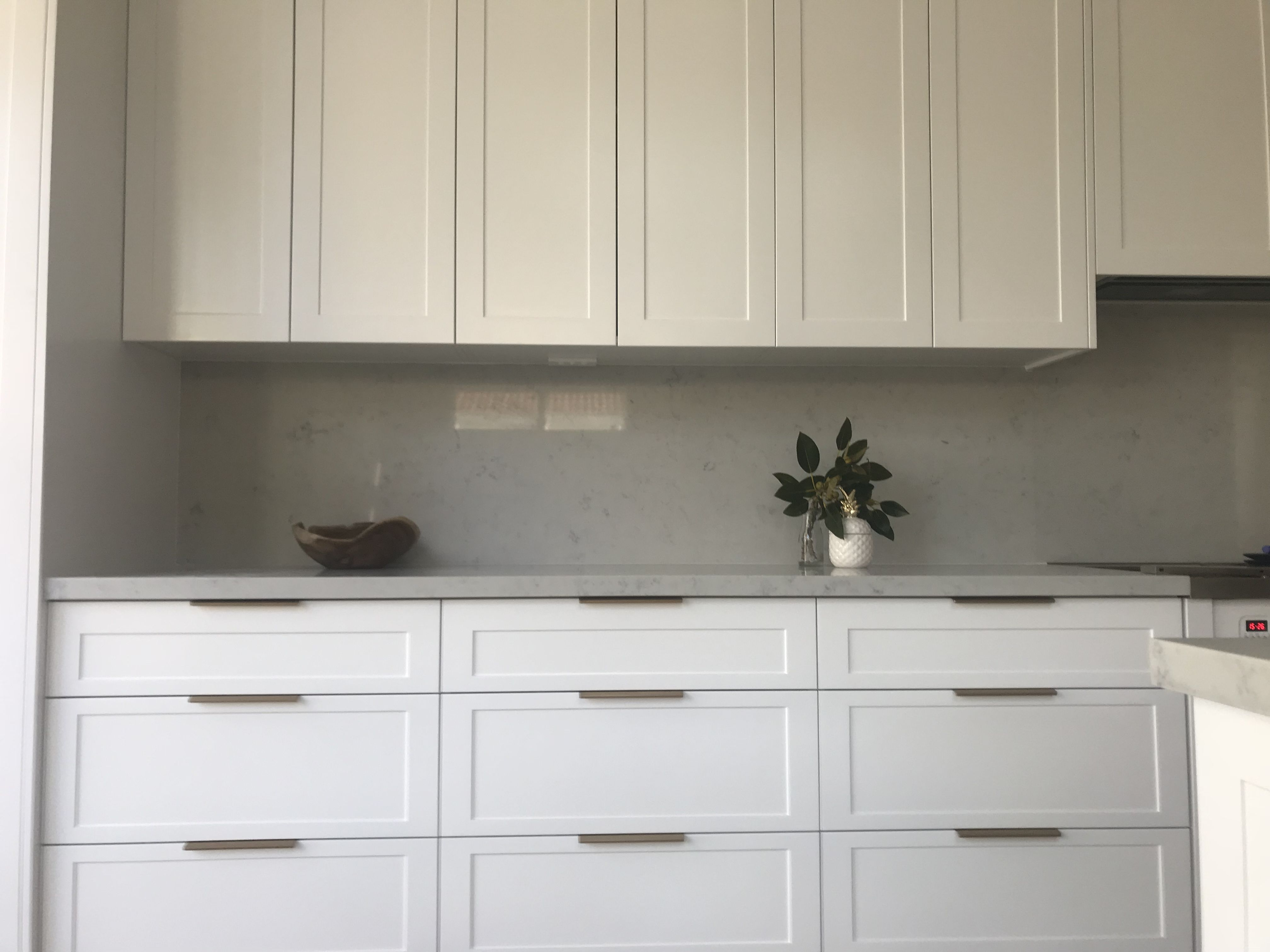 White Shaker Style Cabinets With Brushed Brass Lip Pull Handles
