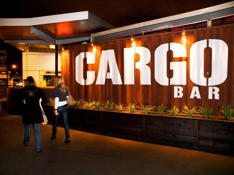 Turns Out Containers Make Great Bars Too Container Restaurant