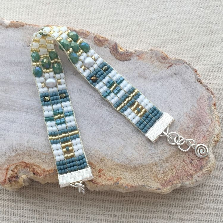 Lisa Yang\'s Jewelry Blog | Weaving projects, Jewelry tools and Wire ...