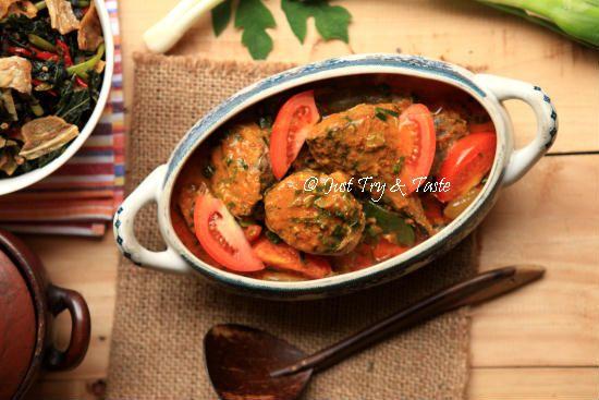 Resep Ikan Tongkol Masak Woku Belanga Resep Ikan Makanan Resep Makanan India