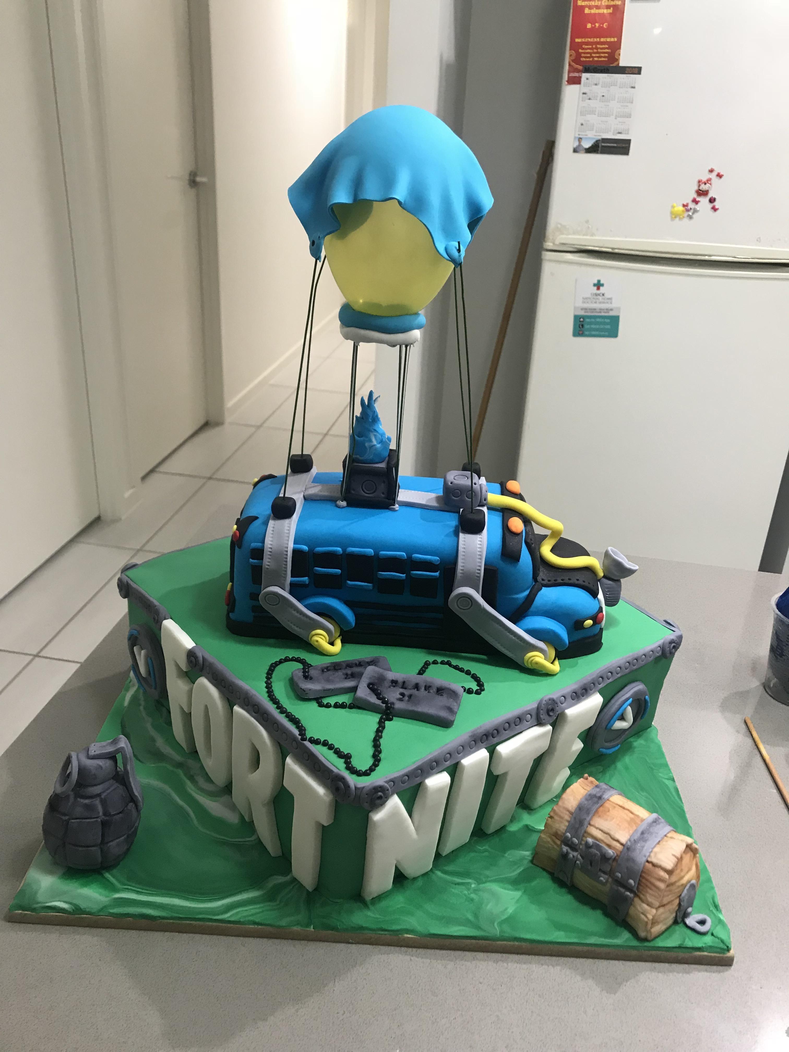 Top 10 wedding decorations november 2018 Fortnite birthday cake  Bubba in   Pinterest  Birthday