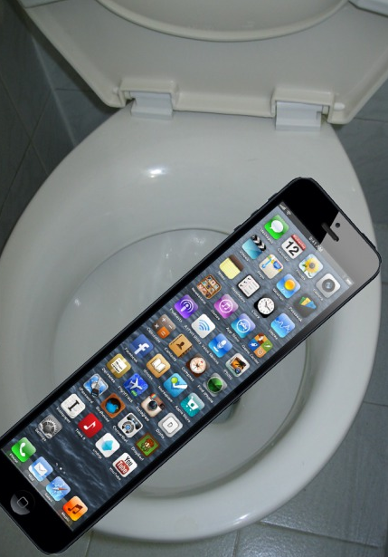 iphone 7 yeah so it won 39 t fall in the toilet funny things funny hilarious lol. Black Bedroom Furniture Sets. Home Design Ideas