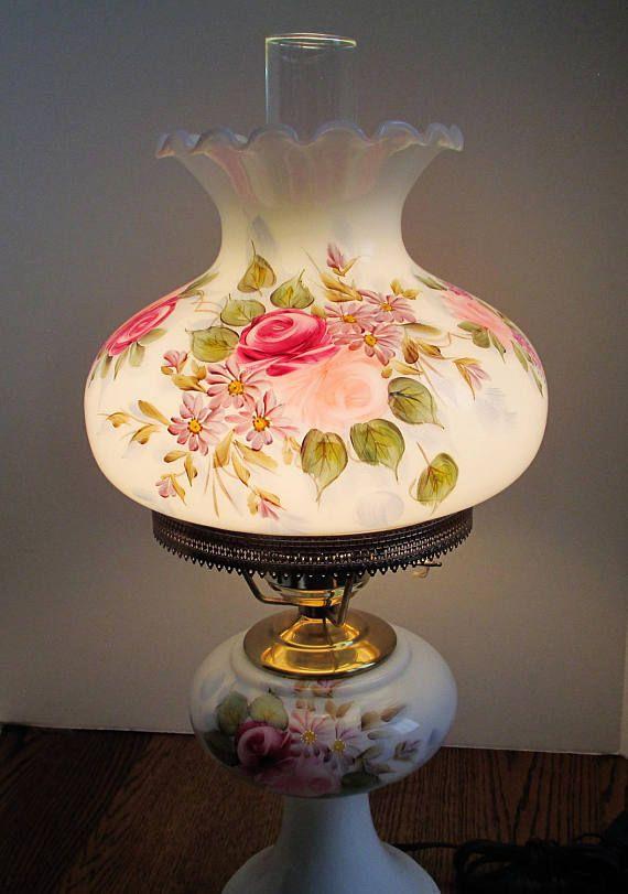 Belle Propriete Fenton Peint Floral Signe Jan Curtis Lampe Vintage Lamps Oil Lamps Lamp