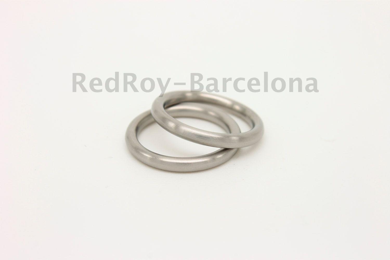 Alianzas de boda de titanio, alianzas de matrimonio, alianzas minimalistas, alianzas hechas a mano, wedding bands, elegant wedding rings by RedRoybarcelona on Etsy