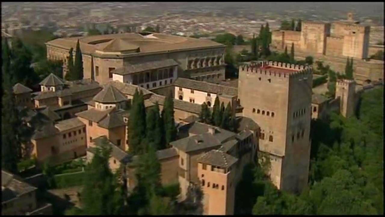 España - Andalucia - Granada. Granada es en realidad 3 ciudades en 1: Albaycín mora,  el llano, la Granada cristiana, y la Alhmabra,, ciudad en sí, no sólo palacio y castillo.