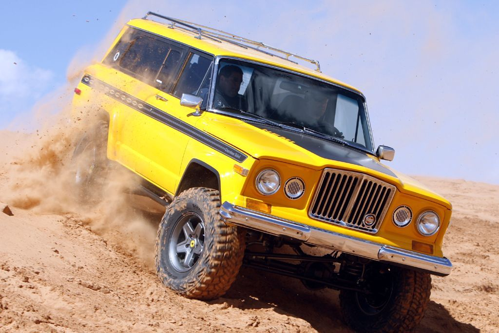 Sweet Jeep Cherokee Chief love that old school grille