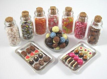 Dollhouse Miniature 1:12 Toy Kitchen 4 Pcs Caster Glass Bottles H1.8cm F4500B