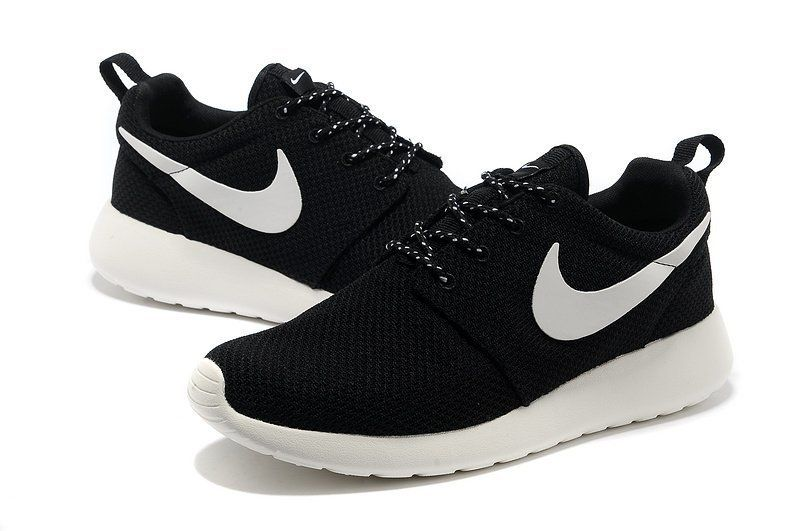 Nike Roshe Run Mens Yeezy Black White