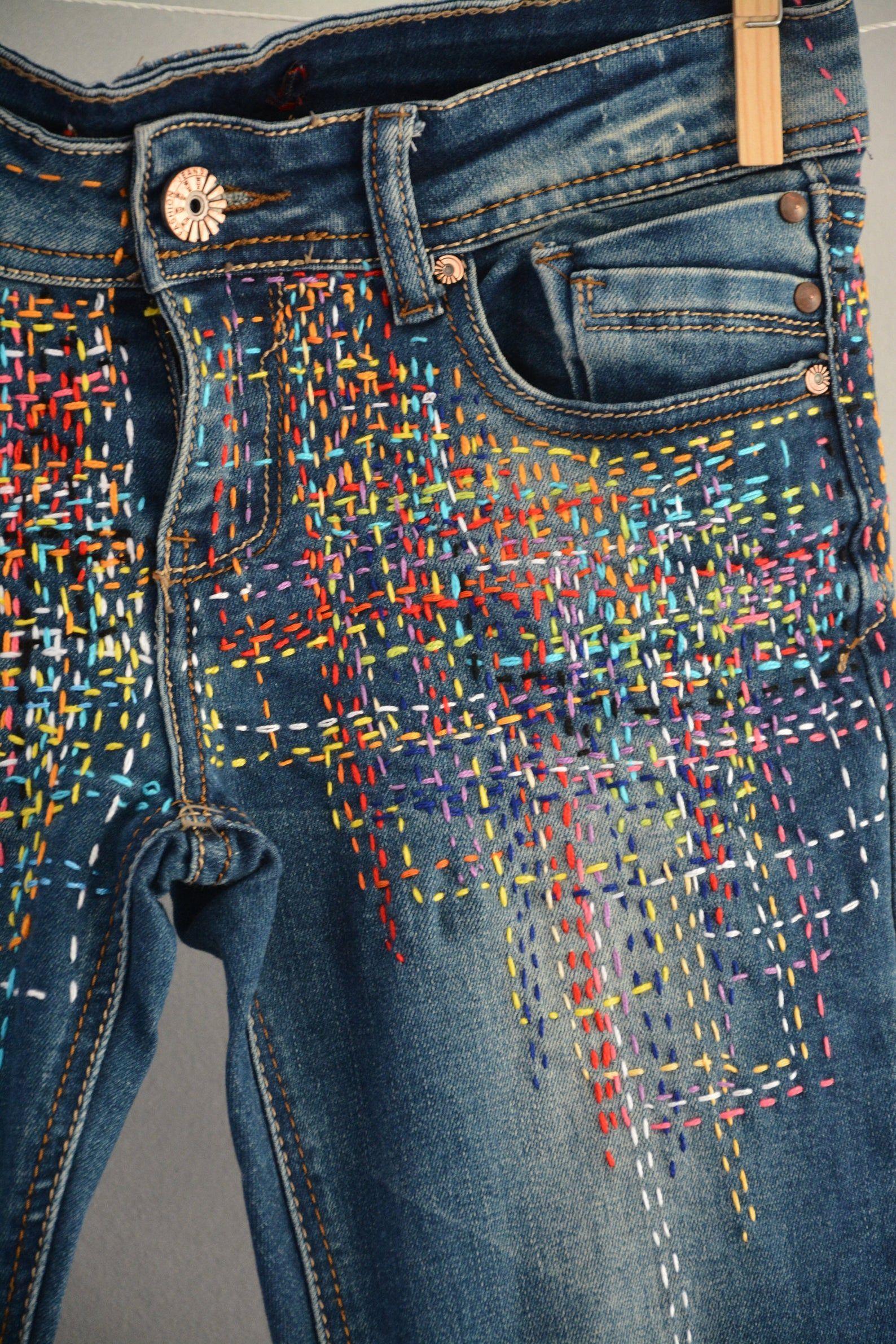 High waist destroyed boyfriend jeans distressed and