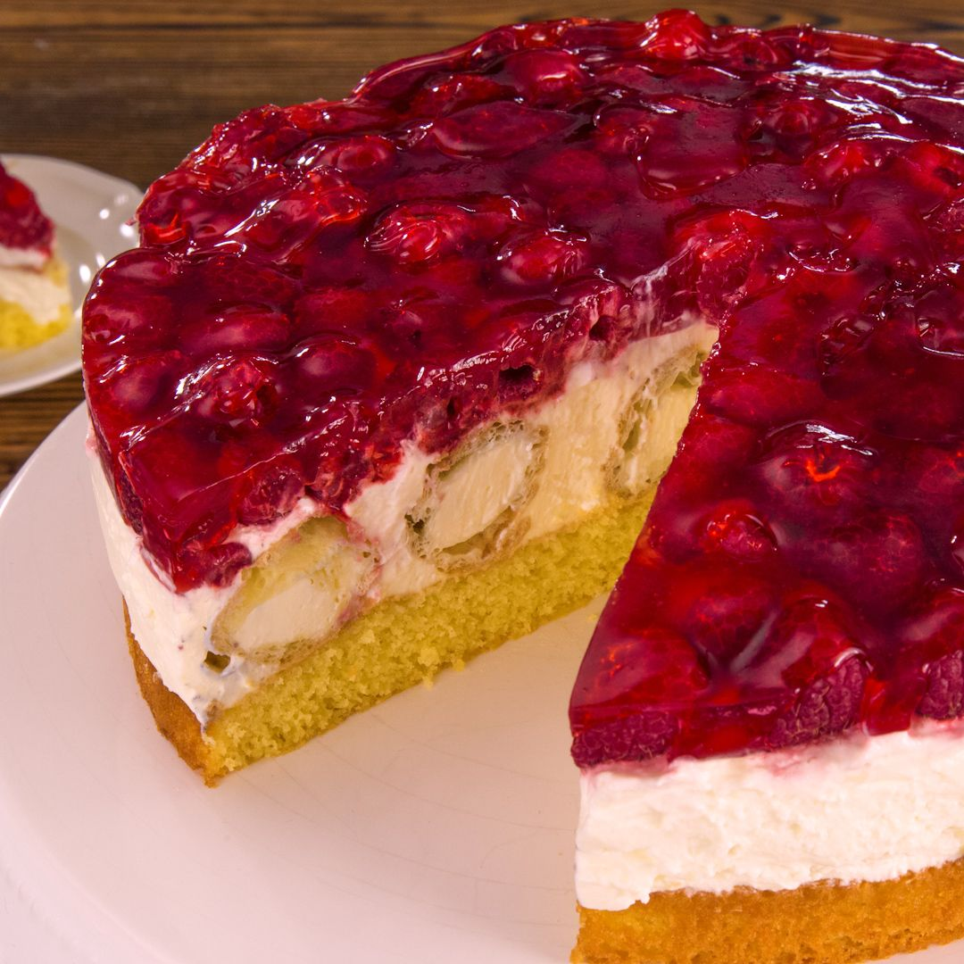 Video und Rezept: Windbeutel-Torte, ein Kochvideo | Club of Cooks