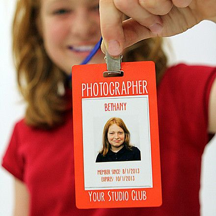 Basic Digital Photography for Kids - Photographer Badge Template from Shutter Teachers. Create your very own photographer badge for you or your child with this fully customizable Photographer Badge Template. You can use within the kid's photography class/club setting... or customize it for your own business! Kids will love to wear this and it is a great way to keep track of names! www.shutterteachers.com