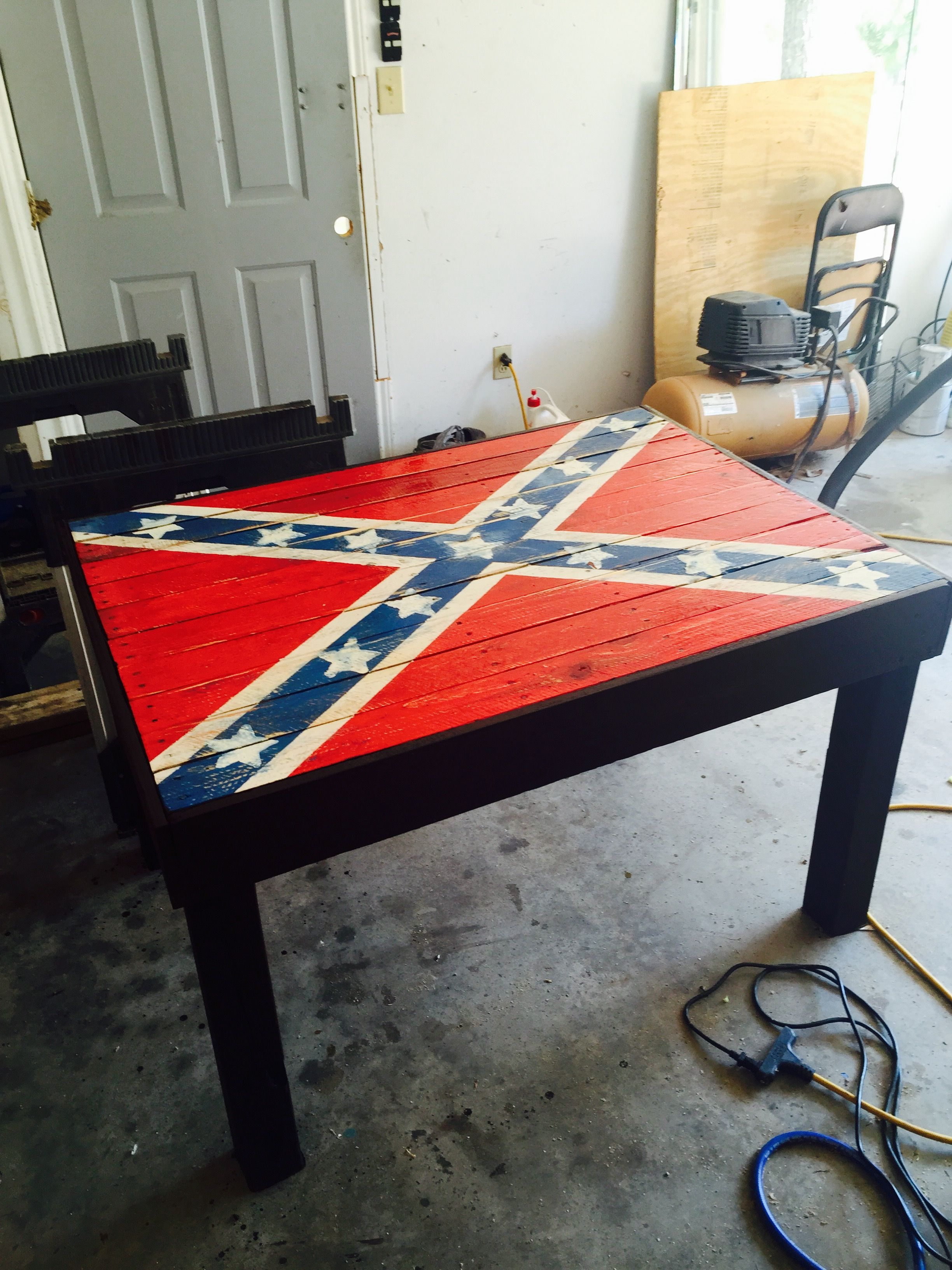 Confederate flag patio table out of pallets