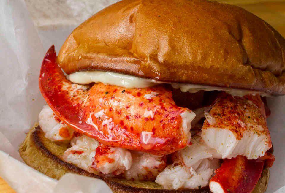 3fc393b56d06 The 20 Best Seafood Restaurants in Chicago - Thrillist