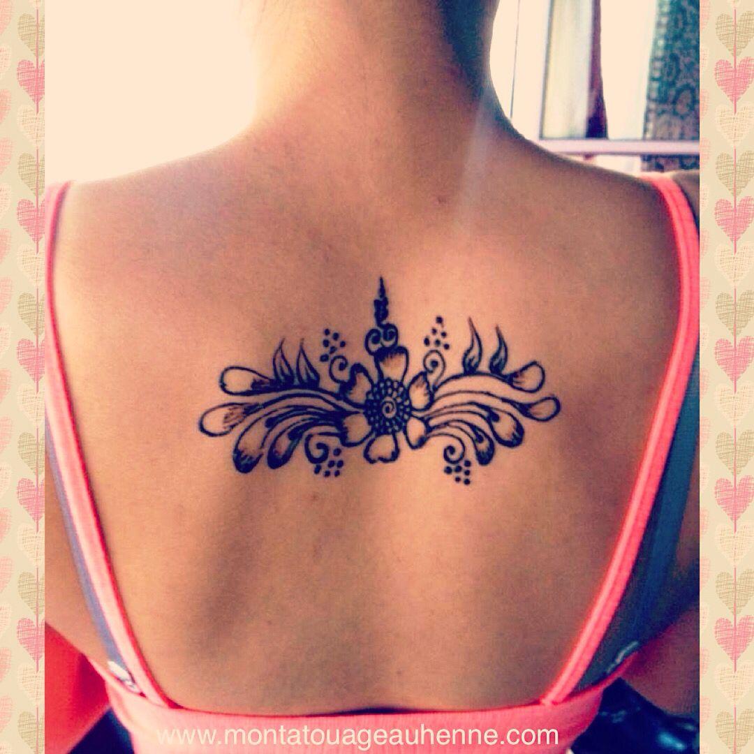 Tatouage au henn naturel motif fleurs sur le dos tatouage au henn pinterest - Tatouage fleur dos ...