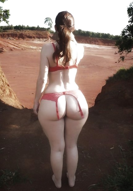 wide ass White women with hips big