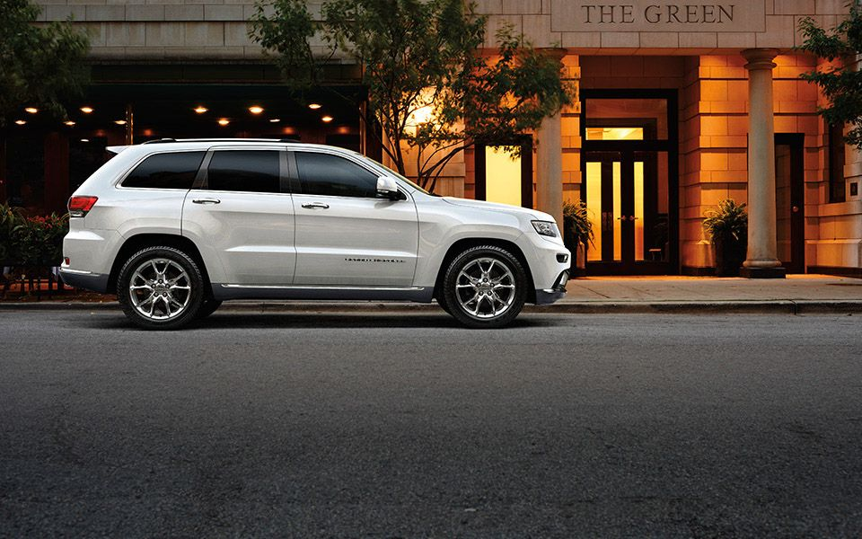 Jeep Grand Cherokee Summit Comes Standard With A Quadra Lift