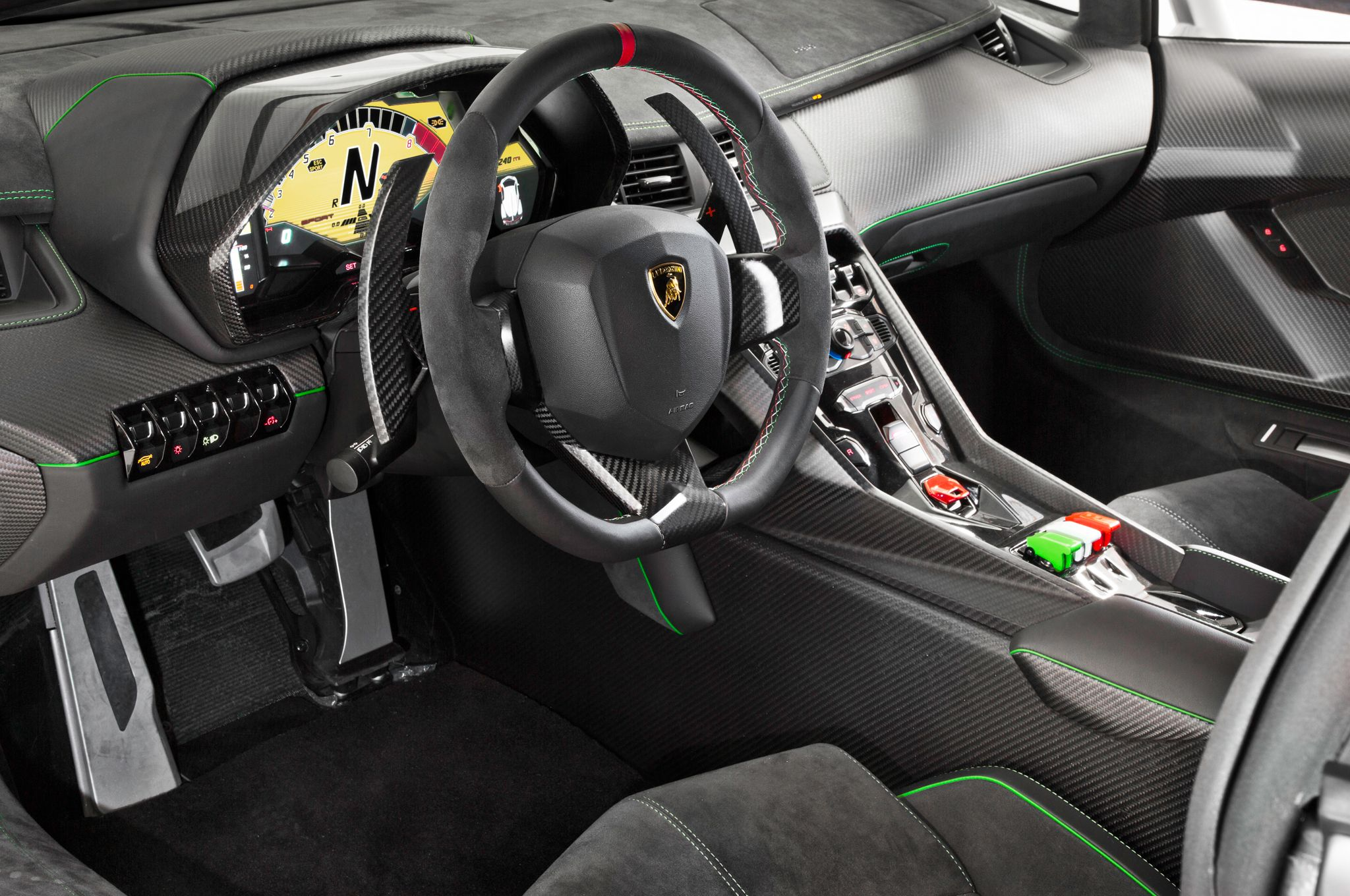 Lamborghini veneno interior wallpaper lamborghini for Interior lamborghini