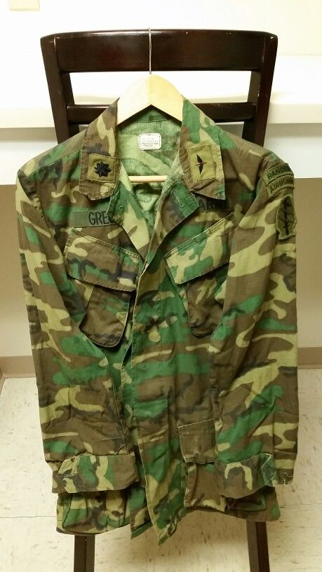 0f84794a67d53 US Military Vietnam Era Brown ERDL Camouflage Blouse (SF/Ranger badged)