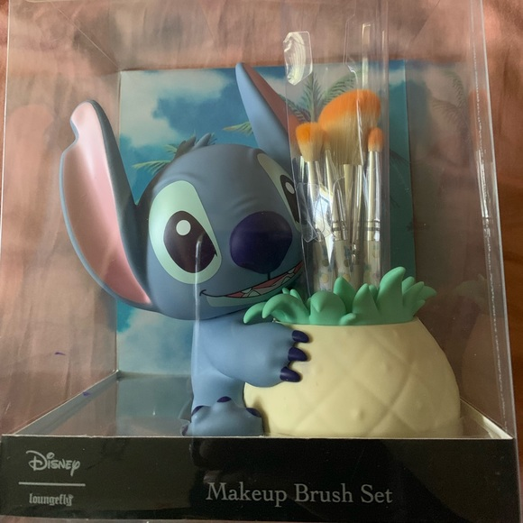 Lilo and stitch Loungefly makeup brushes NWT (With images