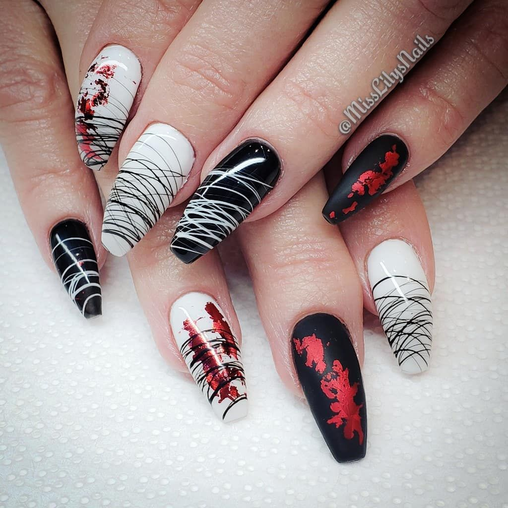 Nothing Like Black White And Red Nails For Halloween Spider Gel From Evnailshop Nails Nai Black Gel Nails Lily Nails White Gel Nails