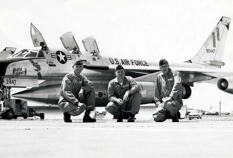 Supersonic bomber b-58 hustler