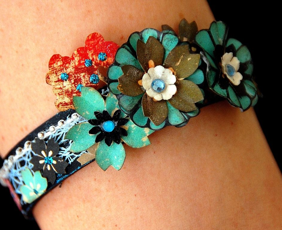 Scrapperlicious: Recycled Bracelet