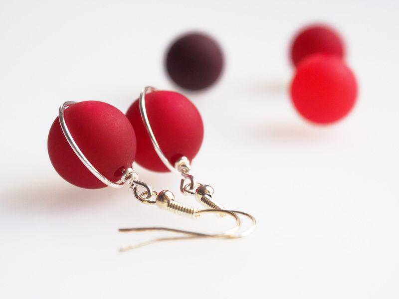 Ohrringe rot Polarisohrringe bordeaux siam marsala von schmuckmanufaktur koenigsblau auf DaWanda.com