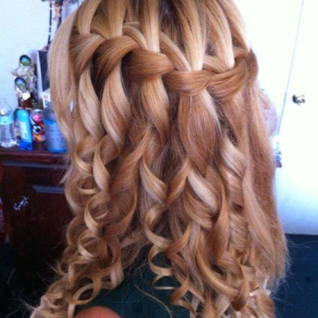 This is gorgeous! Beautiful for a prom or brides maid hairstyle.