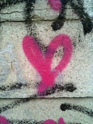 Hot pink graffiti heart