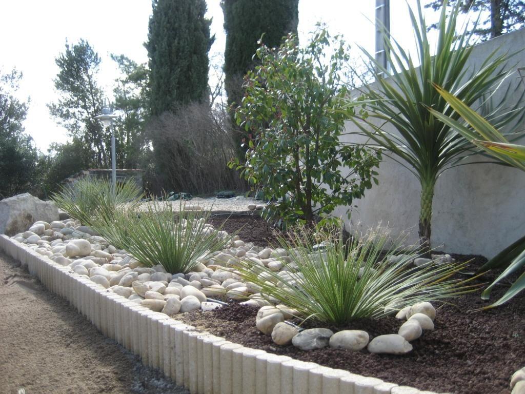 Bordure galets et graminées  Aménagement jardin