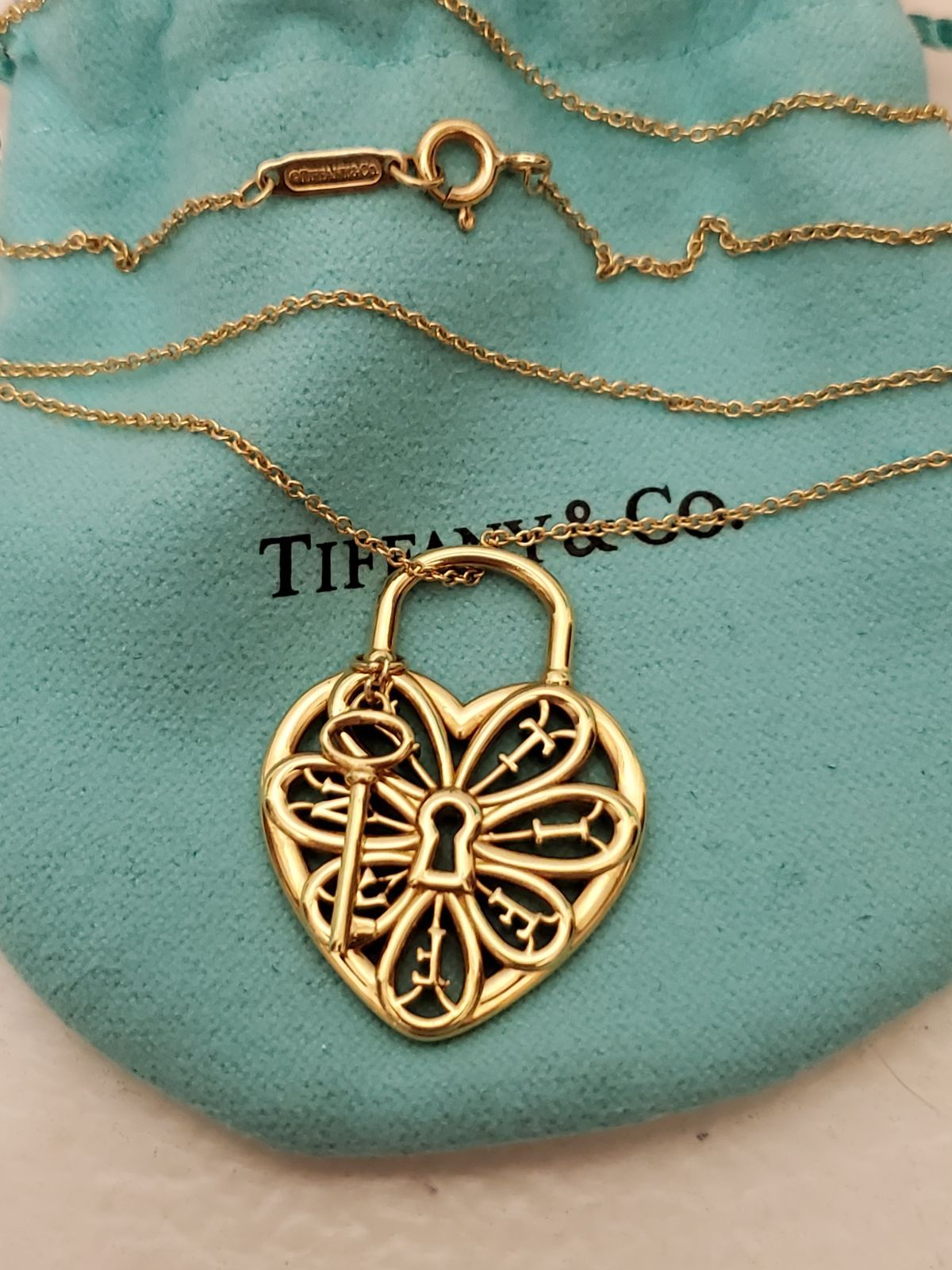Tiffany Co 18k Filigree Heart Lock And Key Charm Necklace Retired Piece In Amazing Condition Hallmarks As Pictur Key Charm Necklace Necklace Tiffany Co