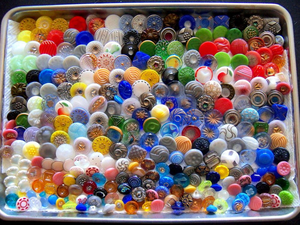 VINTAGE CZECH GLASS BUTTONS (LOT OF 300 pcs) 18mm AND LESS