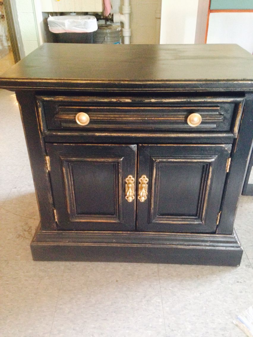 Superb Black And Gold Distressed Nightstand #chalkpaint #distressed #blackandgold  #nightstand