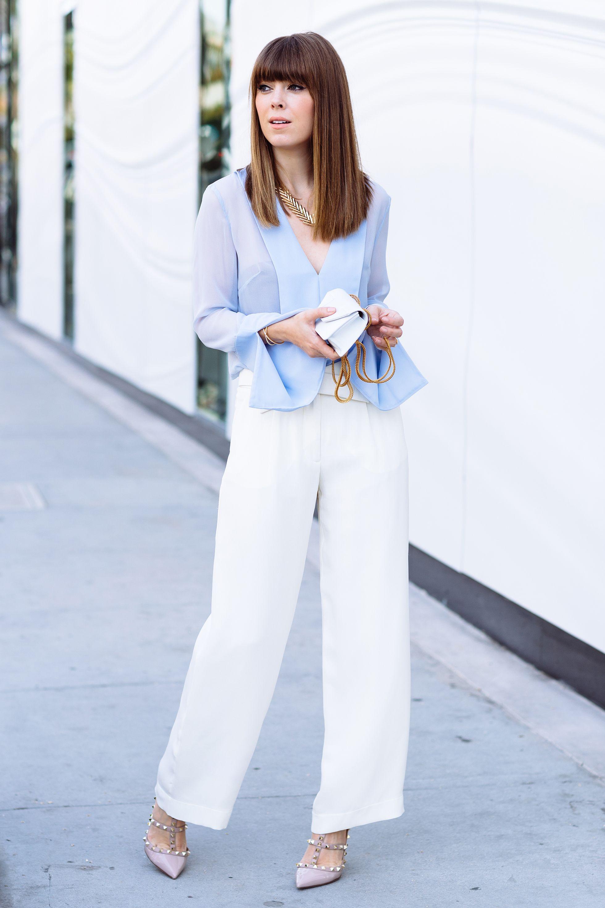blue-shirt-white-pants-style-purse