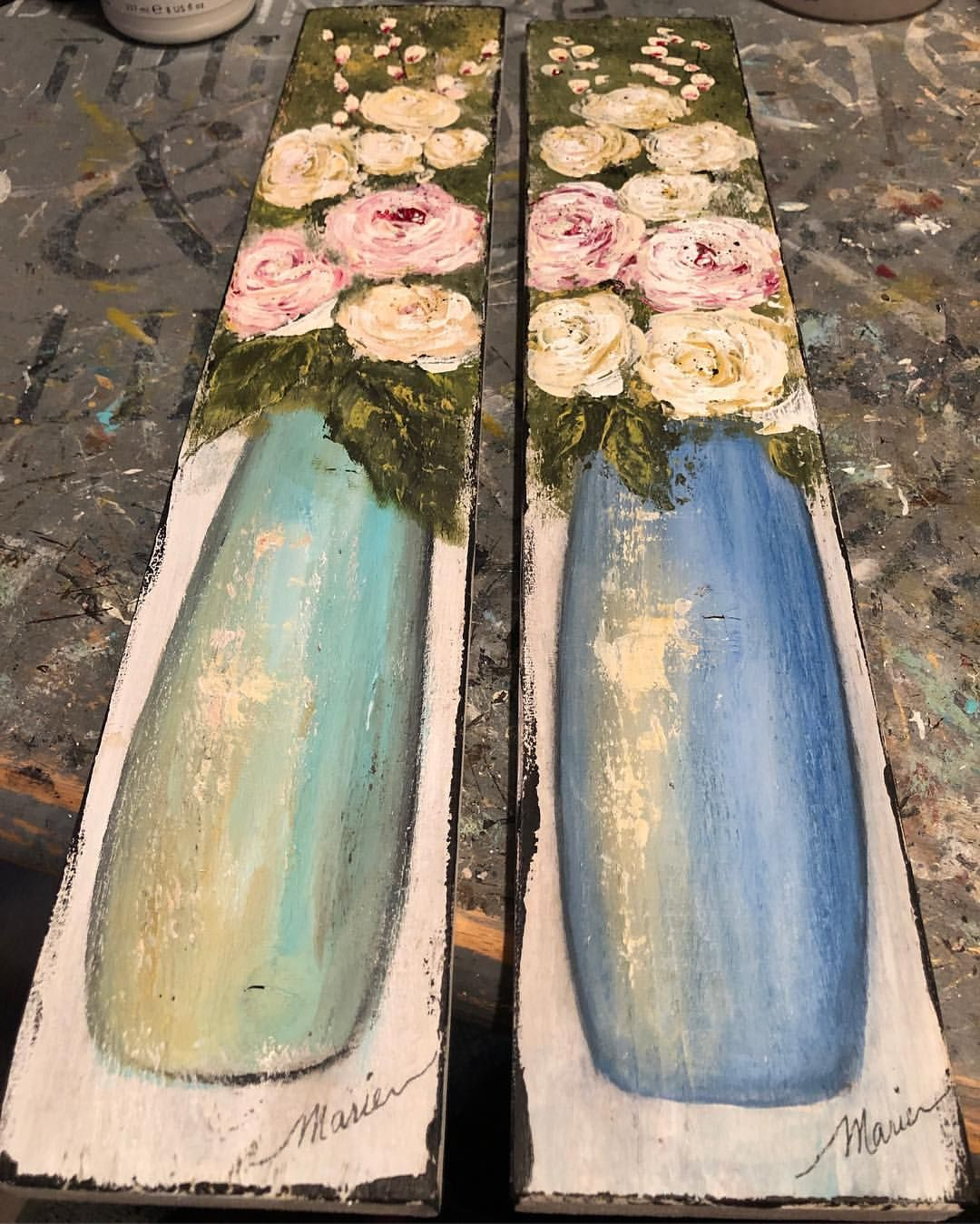 Hot off my grungy work table. Pallet wood roses with pallet knife. I made a lot of florals last year on strips of old, weathered wood. It's… #oldpalletsforcrafting
