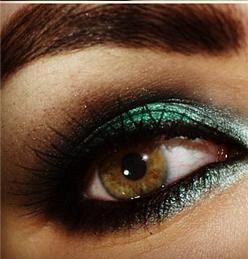 maquiagem em tons de verde para noite