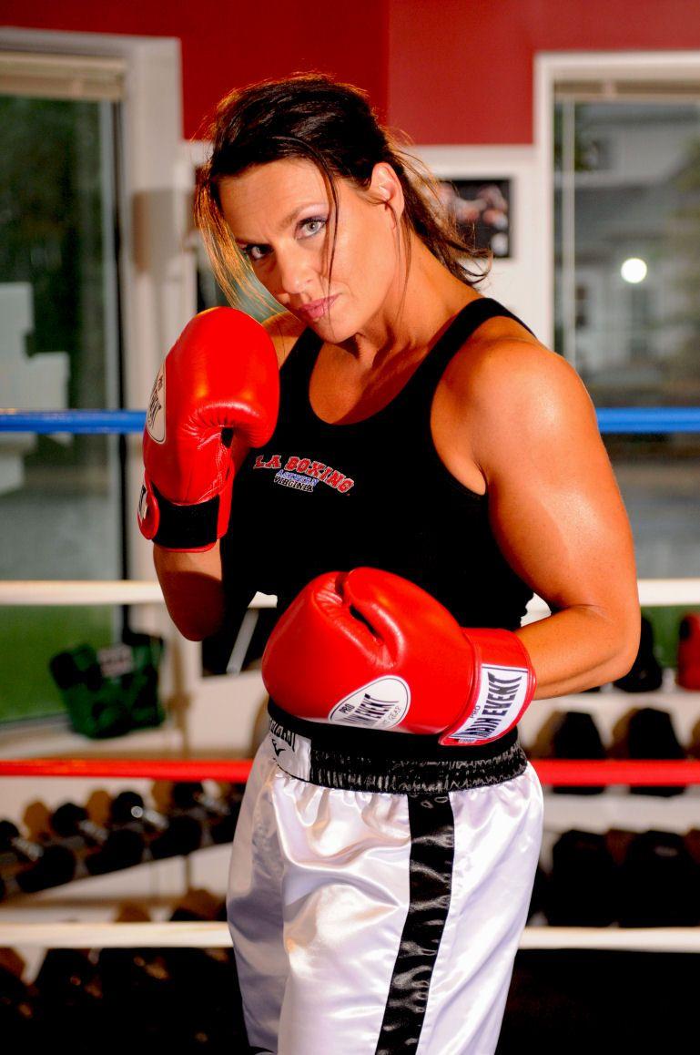 wife-chloe-boxing-lisa-spunk
