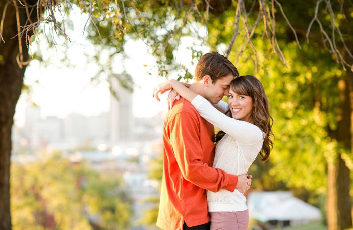 Couples pose anniversary shoot poses pinterest Çift the face