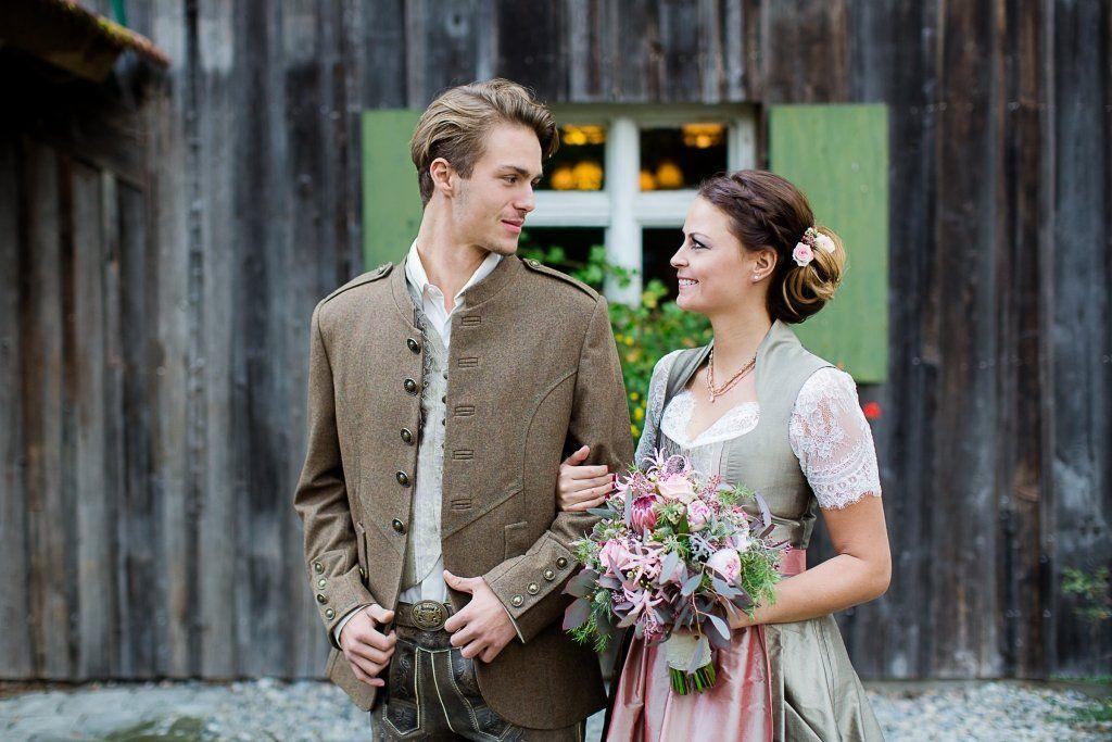 Favorit Moderne Hochzeit in Tracht mit Dirndl und Lederhose  KT94