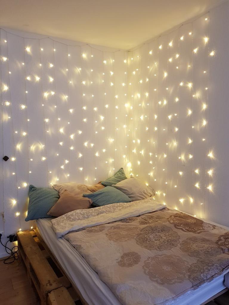sch ne einrichtungsidee f r weihnachten schlafbereich mit lichterketten dekorieren wg zimmer. Black Bedroom Furniture Sets. Home Design Ideas
