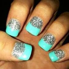 Sparkle nails with turquoise tips