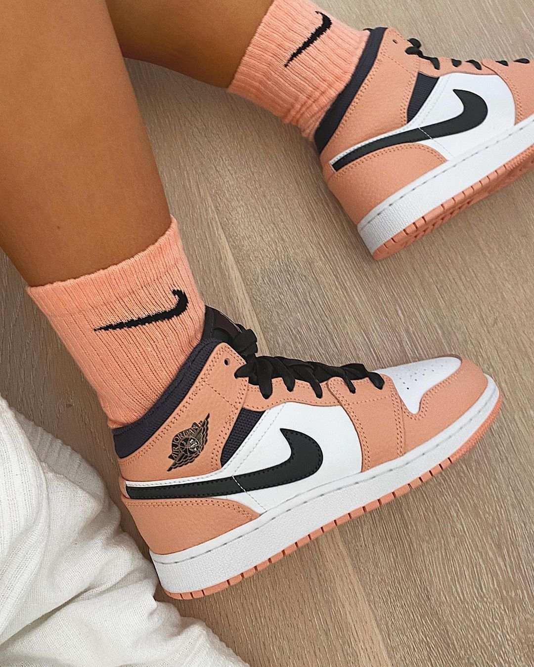"""C A R M S  LONDON on Instagram: """"nikes, peachy 🍑obsessed w these @instakicksz 😍🌻"""""""