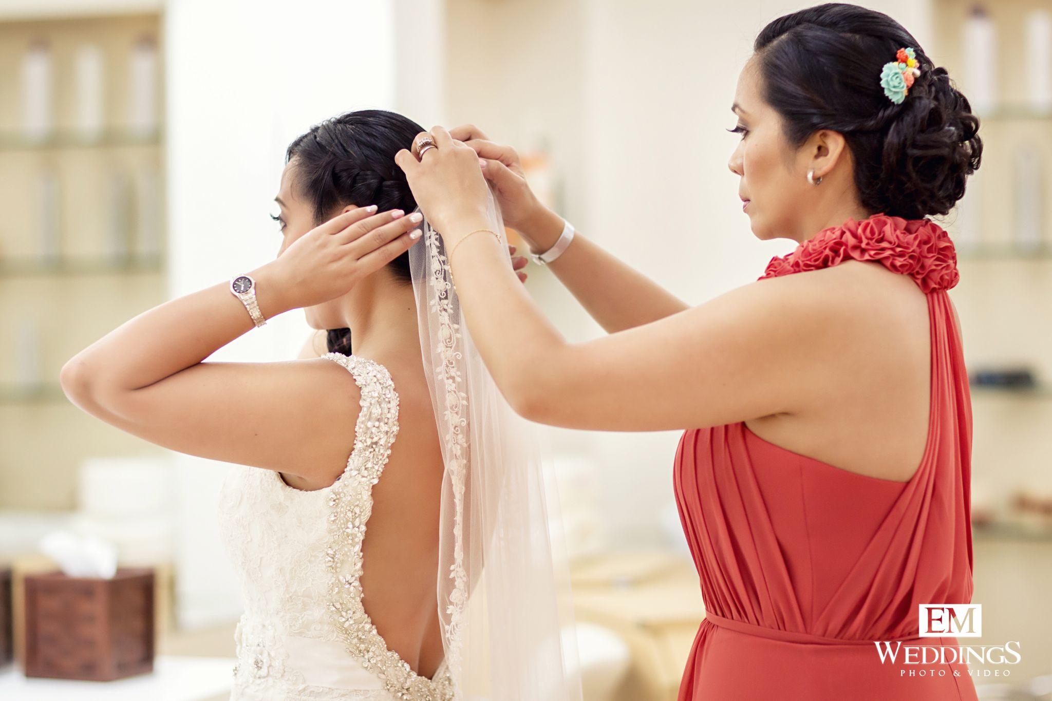 Bride Getting Ready at Hotel Emerald Bay Pueblo Bonito, Mazatlan Sinaloa. #emweddingsphotography #destinationweddings