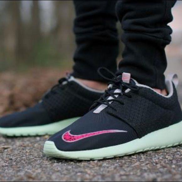 NIKE ROSHE RUN FB MINT 'YEEZY' | Nike