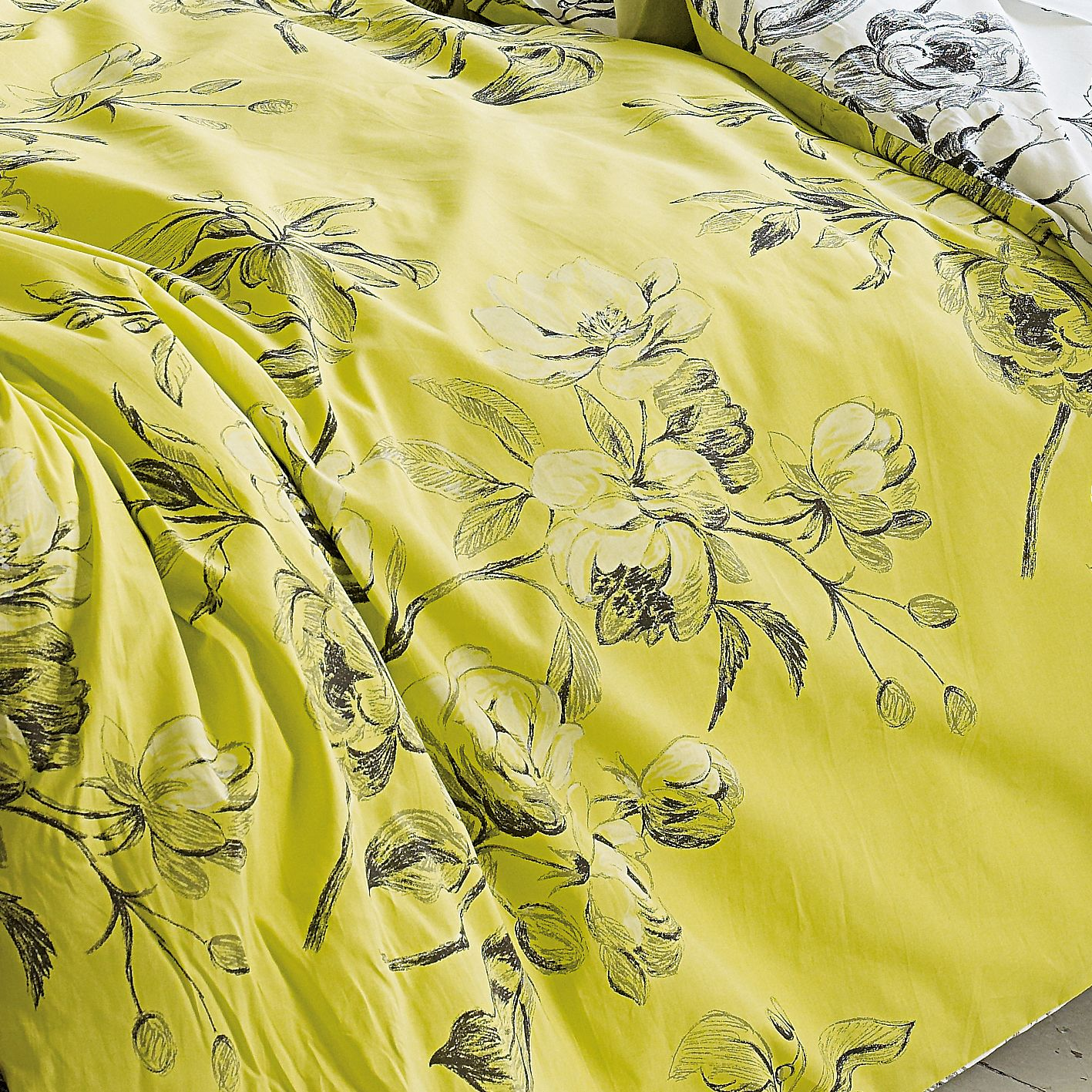 Watelet Chartreuse Bedding